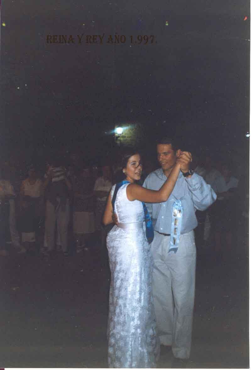 La Reina y Rey 1997. Pulsa aquí para verla ampliada